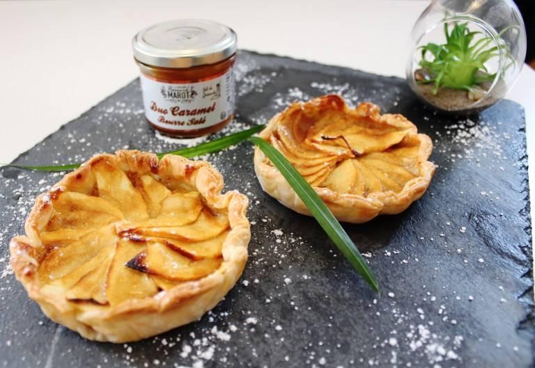 Read more about the article Tartelette aux pommes et caramel au beurre salé